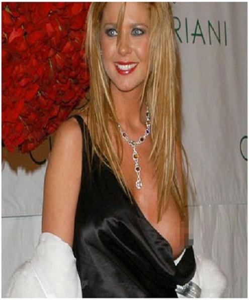 Tara reid s chest makes an appearance top 15 worst celebrity